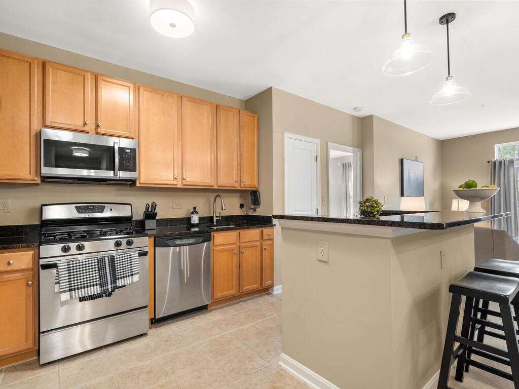 Photo of 2665 Prosperity Ave #308, Fairfax, VA 22031
