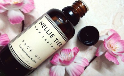nellie tier frankincense & rose face oil