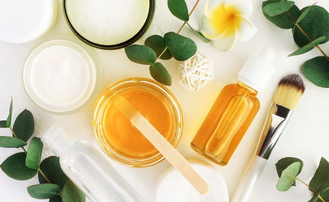 best turmeric skincare products, turmeric for skin brightening, best turmeric products, turmeric infused products for skin brightening, top turmeric products in india, best turmeric based products