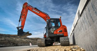 New Doosan 15 tonne Stage IV Reduced Radius Excavator