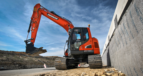 New Doosan 15 tonne Stage IV Reduced Radius Excavator