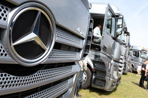 Mercedes-Benz celebrates 20 years of Actros at Truckfest 2016 1
