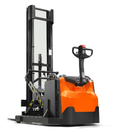 Save space with Staxio stackers from Toyota Material Handling 1