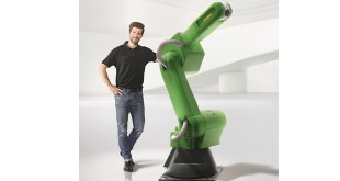 FANUC robots collaborate with each other!