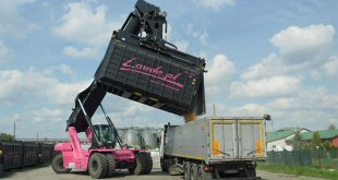 Improve efficiency and uptime in recycling and waste applications with lift trucks from Hyster®