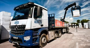 Mercedes Benz Arocs lifts AG to new heights