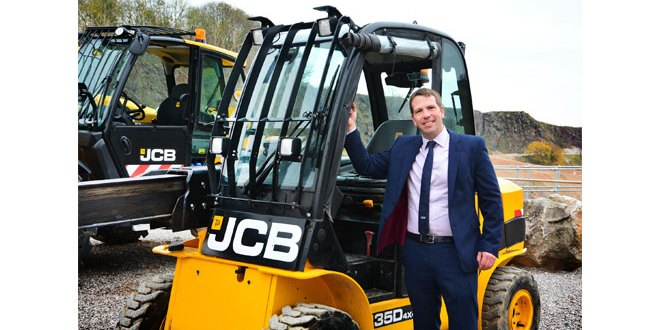 7 Top Tips to being safe and productive by David Banks - Waste & Recycling Sector at JCB