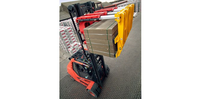 BlockMaster the solution for handling brick, block flag and kerb from B&B Attachments