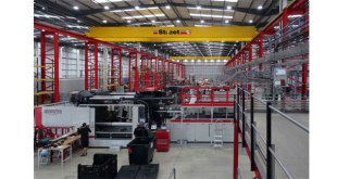Street Crane helps Formaplex to boost production capacity