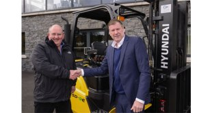 Echlinville Distillery purchase first JD Forktrucks Hyundai machine to arrive in the UK