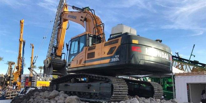 Whelan Plant Sales show the latest Hyundai excavators at CQMS in Ireland