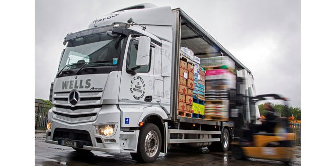 Fruit and veg merchant adopts a fresh approach with low-height Mercedes-Benz Antos