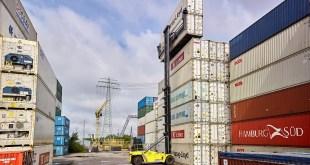 HCS trials newHyster Empty Container Handler in Port of Hamburg
