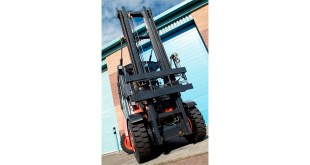 B&B Attachments PowerMount the quick release system to interchange forklift attachments