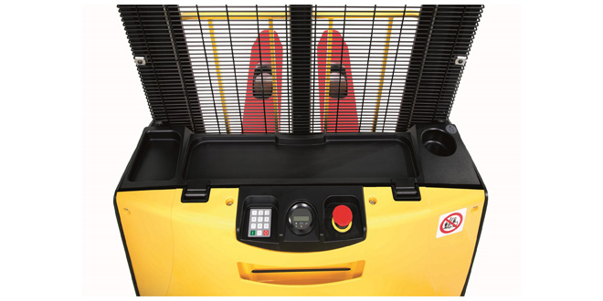 NEW COMPACT STACKERS FROM HYSTER
