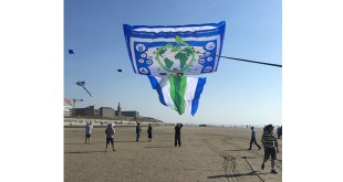 World Record Kite Team Praise Biggest Gentlest Pallet Box
