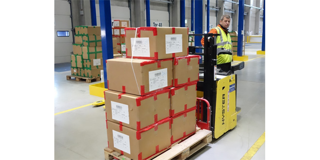 Hyster FASHION LOGISTICS FROM SHEEP TO SHOP