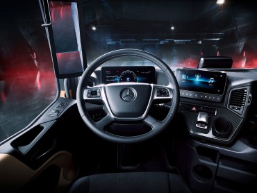 Actros Edition 1 Inside cab view