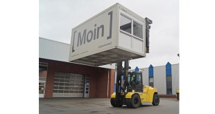 HYSTER LOGISTICS SOLUTIONS IN MOTION AT ELA CONTAINER