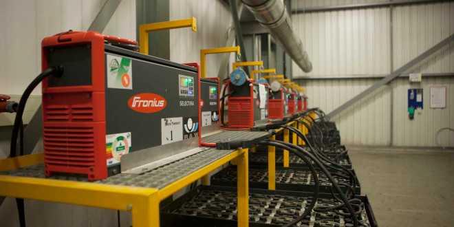 Hartog & Bikker increases availability of forklift trucks using fronius charging
