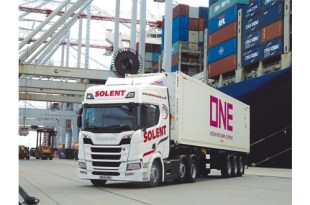 Solent Transport Services specify Krone Box Liners for cool flexibility