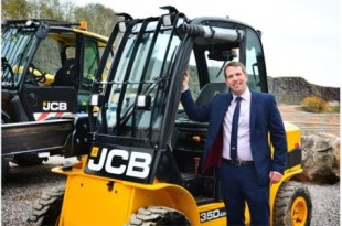 Machinery checks will improve site safety in the waste sector David Banks JCB