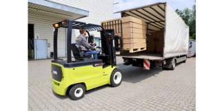 Clark introduces a range of new electric four-wheel forklifts to the market