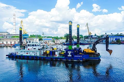 Volvo CE and Volvo Penta helps Nibulon turn grain transportation into plain sailing