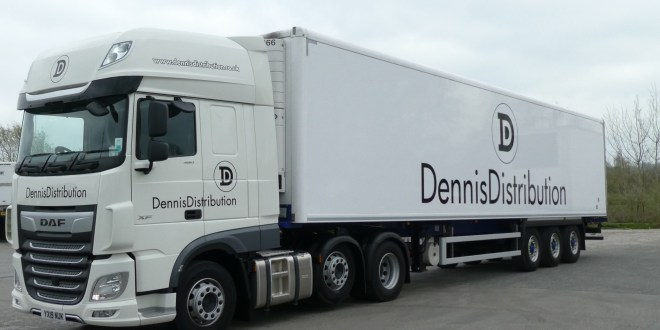 Dennis Distribution takes delivery of eight new Cartwright fridge trailers