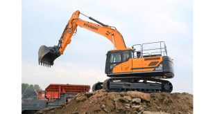 New Hyundai HX300L excavator proves crushing success for Derbyshire company