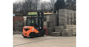 Doosan shows strength at UK Construction Week 2019