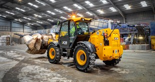Skip hire specialist adds a JCB Wastemaster Loadall to its fleet