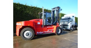 Budget Forktrucks celebrates new government relationship
