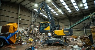 Volvo Material Handler boosts production at EMS Waste Services