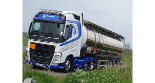 VOLVO PROVES THE EASY CHOICE FOR CAMBRIDGESHIRE BASED HAULIER Brian Easey Transport