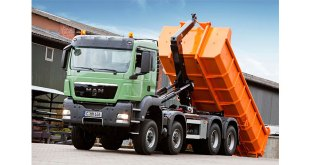 Hiab MULTILIFT launches two new hooklifts