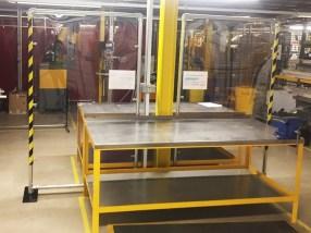 reestanding transparent heavy-duty plastic screen