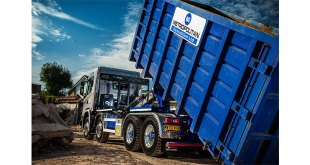 Hiab Hooklift makes light work for Metropolitan Demolition