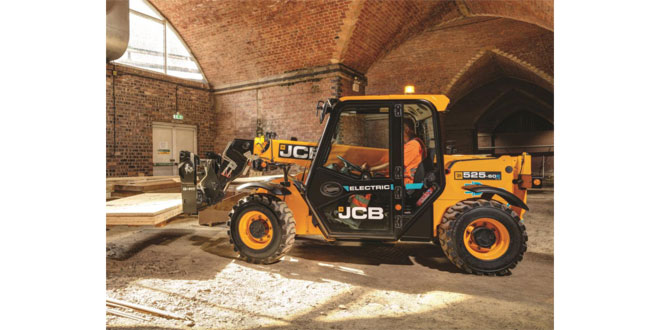 Bennie Equipment invest in one of the UKs first New JCB 525-60E Electric Telehandlers