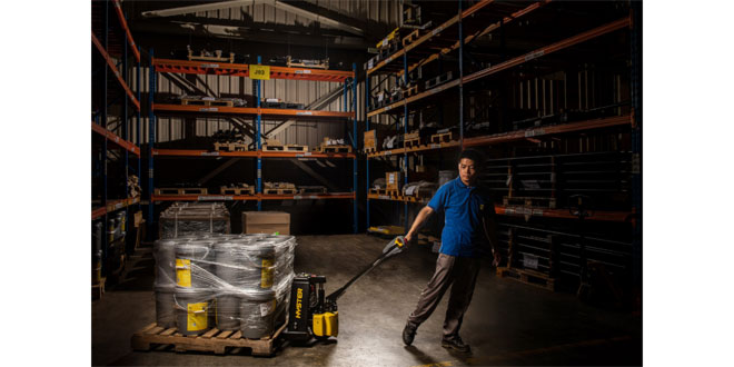 COMPACT NEW HYSTER® LITHIUM-ION PALLET TRUCKS TO BOOST EFFICIENCY