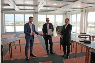 BEUMER Group honoured with Axia Best Managed Company Award 2021