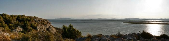 panorama sur l'étang de l'Ayrolles