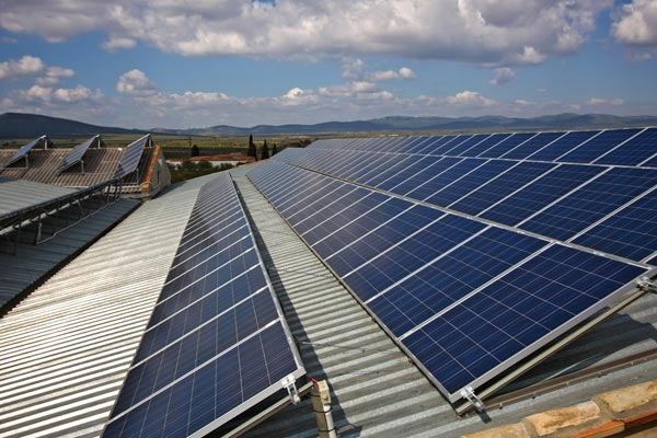 Commercial Applications of Mi-Grid solar energy management system, a microgrid