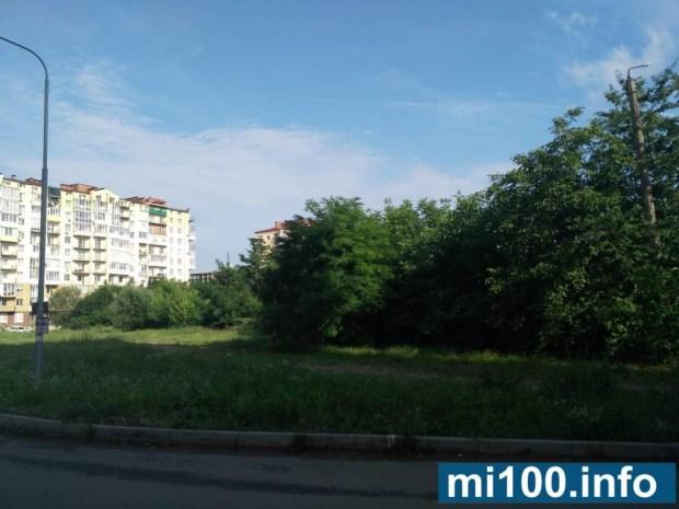 """Сквер, а не житловий комплекс: франківці проти будівництва біля 24 школи двох десятиповерхівок БК """"Вертикаль"""" (фото)"""
