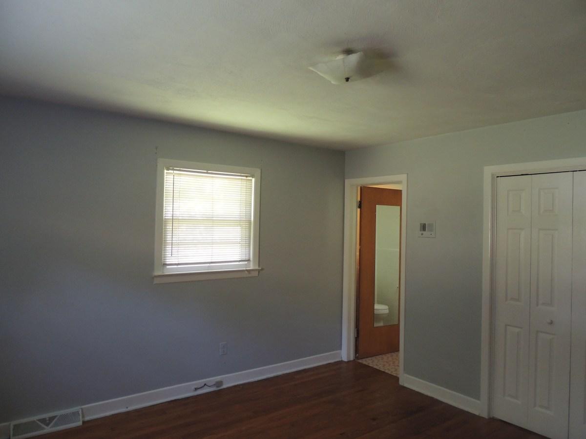 Inside 309 Knob Hill