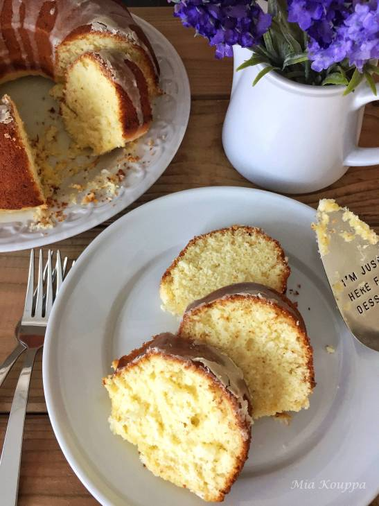 Olive oil cake with Lemon, a delicious dairy free lemon cake recipe