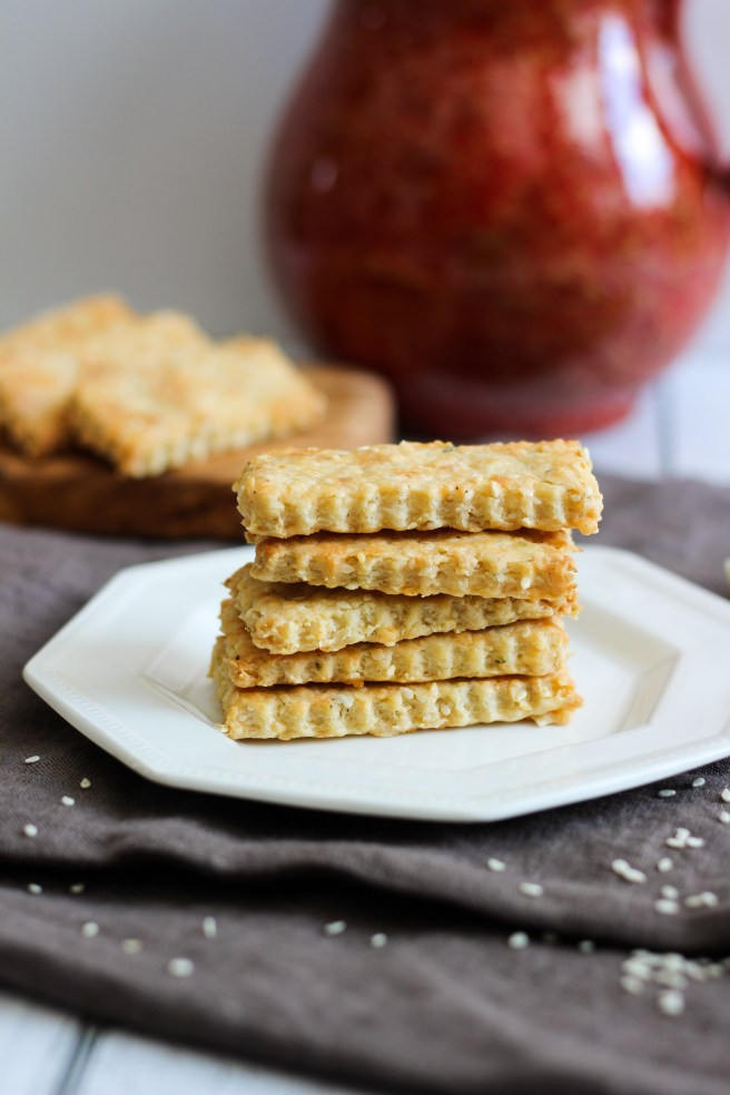 Kefalograviera crackers with sesame seeds