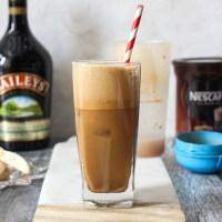 Frappé coffee with Baileys (Φραπέ με Baileys)