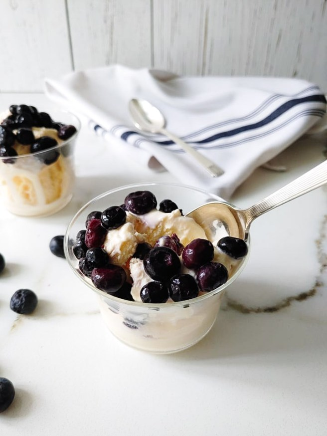 Ouzo with blueberries