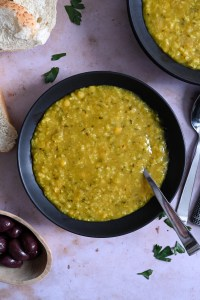 Mason jar split pea soup with rice